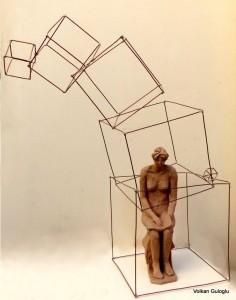 12_femme assise2_terre